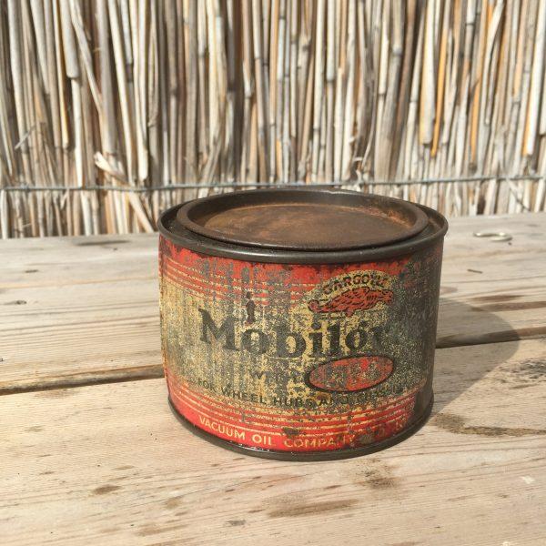 1930's Gargoyle Mobiloil Mobilgrease can