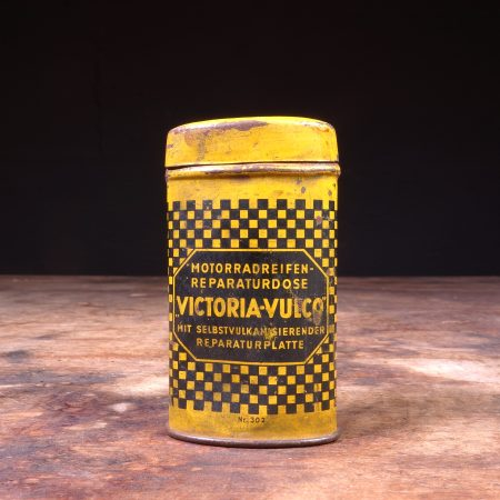 1940's Victoria Vulco Tire Repair Tin