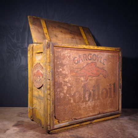 1930 Gargoyle Mobiloil Oil Can Crate