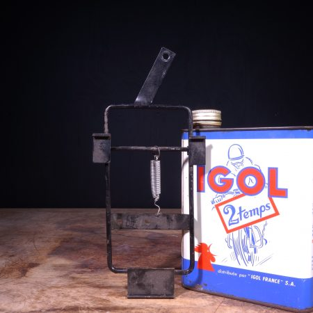 1950 Oil Can Bracket Holder