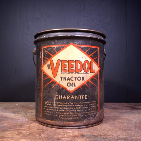1930 Veedol Tractor Oil Can