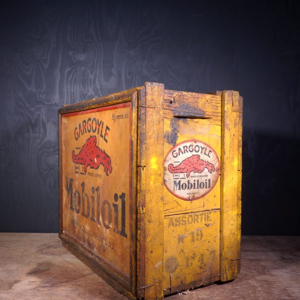 1930 Gargoyle Mobiloil Oil Can Crate