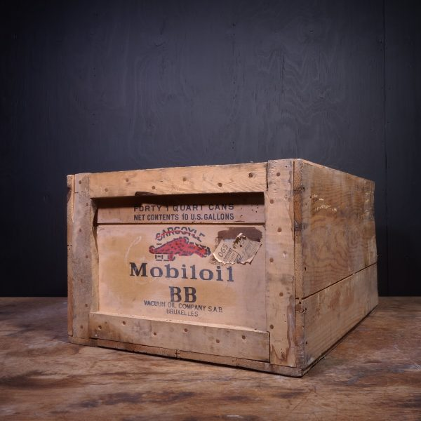 1947 Gargoyle Mobiloil BB Oil Can Crate
